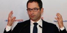 Benoît Hamon remporte la primaire du PS avec environ 59% des voix. Il va devoir faire face à la fronde de parlementaires tentés de partir rejoindre Emmanuel Macron.
