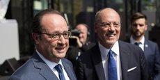 François Hollande et Stéphane Richard, le PDG d'Orange, lors de l'inauguration, en juin dernier, du nouveau centre de l'opérateur historique dédié à l'innovation à Châtillon, aux portes de Paris.