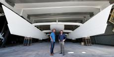 Portée par le navigateur Victorien Erussard (à droite) et le réalisateur télé Jérôme Delafosse, cette « odyssée pour le futur » a aussi pour objectif d'explorer et de partager un territoire mal connu : celles de nouvelles voies énergétiques pour un avenir durablement plus propre.