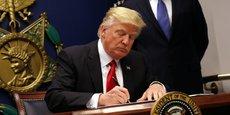 Le décret signé par Trump est censé interdire pour 90 jours l'entrée aux Etats-Unis aux ressortissants de sept pays à majorité musulmane.