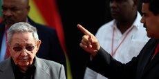 Raul Castro lors de son déplacement au Venzuela, le 5 mars, pour marquer le quatrième anniversaire de la mort de l'ancien président du pays Hugo Chavez.