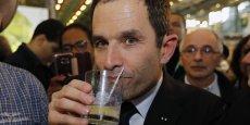 e. Ce recul profite au socialiste Benoît Hamon, à 11% (+1), ainsi qu'au candidat souverainiste Nicolas Dupont-Aignan gagne également un point, à 4%.