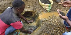 Des travailleurs de la mine d'étain de Kalimbi, en République démocratique du Congo.