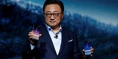 A la tête de la division Communications mobiles de Samsung, DJ Koh présente le nouveau smartphone.