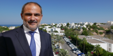 Hervé Corvest sur la terrasse du Crowne Plaza : Il y a un grand respect de la population d'Oman pour le sultan.