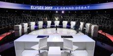 Les onze candidats à la présidentielle se retrouvent pour un débat TV d'avant premier tour inédit. Chacun va vouloir marquer les esprits. Hamon et Fillon vont tenter de se refraire. Le Pen et Macron vont se tacler et mélenchon va vouloir profiter de sa dynamique. Mais les autres candidats ne vont pas se priver de mordre les mollets des cinq grands.