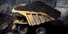 Environ 21% de l'énergie produite aux Etats-Unis l'est encore par des centrales au charbon mais les régions minières ont particulièrement souffert de la concurrence ces dernières années du gaz naturel et des énergies renouvelables.