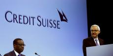 Le directeur général de Credit Suisse, le Franco-Ivoirien Tidjane Thiam, à l'assemblée générale de la banque, écoutant le discours du président du conseil d'administration, Urs Rohner, à Zurich, en avril 2016.
