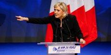Monsieur Macron est un mondialiste décomplexé, là où Monsieur Fillon est un mondialiste honteux. Je préfère toujours avoir un mondialiste décomplexé face à moi, au moins les choses son claires !, a déclaré Marine Le Pen dans une interview au Figaro.