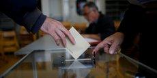 Un bureau de vote à Paris, dimanche 23 avril 2017, pour le premier tour de l'élection présidentielle.