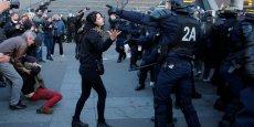29 GARDES À VUE À PARIS, 6 POLICIERS ET 3 MANIFESTANTS BLESSÉS