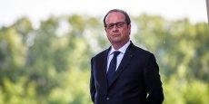 HOLLANDE PRÉSIDE L'HOMMAGE AUX POLICIER TUÉ JEUDI