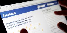 Trop arbitraire ou trop lente, la modération de Facebook est régulièrement critiquée.