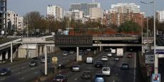 Ce sont des véhicules qui ont été gravement endommagés à la suite d'un accident de la route et qui, dans l'attente de travaux, étaient interdits à la circulation, précise au Parisien la sécurité routière.