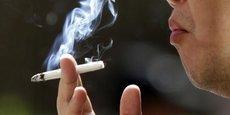 Elle intervient après un arrêté pris mi-mars par Bercy et le ministère de la Santé relevant le minimum de perception sur les cigarettes et le tabac à rouler, ce qui revient à imposer une hausse des taxes sur les paquets les moins chers.
