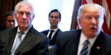 Kushner Companies, l'entreprise du gendre de Donald Trump Jared Kushner (au centre sur la photo) cherche à séduire de riches Chinois via un programme américain controversé de visas d'investisseurs appelé EB-5, d'après la presse américaine.