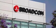 Selon Bloomberg, Broadcom évoque avec ses banques conseil une offre, en numéraire et en titres, de quelque 70 dollars par action, soit une prime de 27,6% par rapport au cours de clôture de Qualcomm de jeudi.