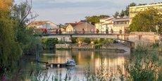 Profitant de sa proximité avec Bordeaux, Libourne offre des taux de rentabilité de 11% en moyenne pour un investissement dans un garage loué en garde-meuble.