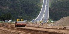 Chantier de construction de la liaison routière entre la zone industrielle de Pintown et le nord de Durban en Afrique du Sud, en février 2013.