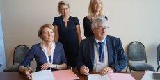 Agnès Paillard et Bernard Dalmon signent le partenariat entre Aerospace Valley et la Mecanic Vallée