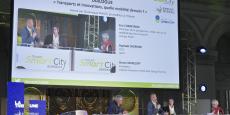 Transport et innovation, quelle mobilité demain ?, en débat ce matin à l'occasion du Forum Smart city Bordeaux, avec Bruno Marzloff (Chronos), Raphaël Cherrier (Qucit) et Eric Chareyron (Keolis).