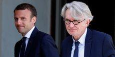 Emmanuel Macron accueille le leader de FO Jean-Claude Mailly à l'Elysée, le 23 mai.