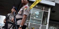 TROIS ARRESTATIONS APRÈS LE DOUBLE ATTENTAT SUICIDE À DJAKARTA