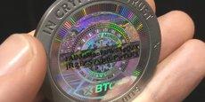 Le bitcoin évoluait à la baisse mardi après l'annonce, à 2.731,41 dollars (2.312,40 euros) à 15H00 GMT (17H00 à Paris), selon les données de Bloomberg, qui compile les chiffres des plus grandes plateformes d'échange de la monnaie numérique.
