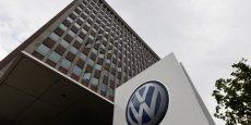 Volkswagen est accusée par des constructeurs automobiles américains d'être favorisée par une clause de l'accord signé avec la justice américaine qui prévoit un investissement de 2 milliards de dollars dans l'électrique.