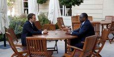 Le Président français Emmanuel Macron s'entretient avec le Président sénégalais Macky Sall au palais de l'Elysée à Paris, le 12 juin 2017