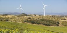 Deux éoliennes