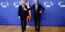 David Davis et Michel Barnier au siège de la Commission européenne, lundi 19 juin.
