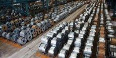 Le secteur de la sidérurgie est particulièrement touché par la concurrence de la Chine, qui produit environ la moitié de l'acier de la planète et dont les aciéries ploient sous des capacités excédentaires