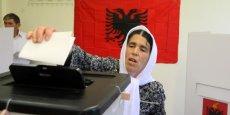 ALBANIE: LES SOCIALISTES LARGEMENT EN TÊTE AUX LÉGISLATIVES