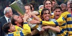 L'équipe de Parme a remporté la Coupe de l'UEFA en 1995 et en 1999, après avoir gagné la coupe d'Europe des vainqueurs de coupe en 1993.