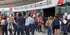 Le 29 juin 2017, les salariés du groupe Sauramps son en grève devant les portes de la librairie Sauramps Odyssée, à Montpellier.