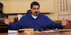 Le chef de l'Etat vénézuélien, Nicolas Maduro, en butte à des manifestations quasi-quotidiennes depuis début avril, a également annoncé l'augmentation du bon alimentaire qui accompagne le salaire minimum, pour le porter à 153.000 bolivars (environ 58 dollars, soit 51 euros).