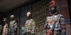 En France, l'industrie de la mode génère 150 milliards d'euros de chiffre d'affaires et quelque 58 000 emplois directs.