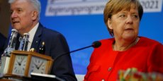 A moins de trois mois du scrutin, Horst Seehofer et Angela Merkel possèdent une très confortable avance dans les sondages sur les sociaux-démocrates (SPD), leur actuel partenaire de coalition