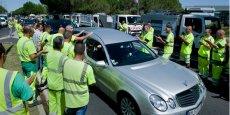 150 véhicules du groupe Nicollin, et de nombreux collaborateurs, étaient positionnés pour un dernier hommage au convoi funéraire.