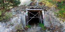 L'entrée d'une ancienne mine fermée, près du village de Rosia Montana, à 428 km au nord-ouest de Bucarest.