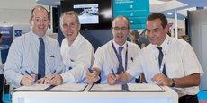 De gauche à droite : Nicolas Chamussy (président d'Airbus DS), Hervé Gilibert (directeur technique d'ArianeGroup), Olivier Lesbre (directeur général de l'Isae-Supaero) et Olivier Zarrouati (président de la Fondation Isae-Supaero) signent l'accord de mécénat