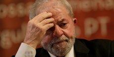Lula, 71 ans, qui reste en liberté en attendant son jugement en appel, nie toutes les accusations en bloc et se dit victime d'un complot.