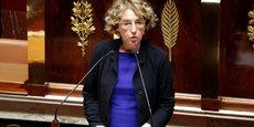 Les syndicats sont furieux que les ordonnances ne prévoient la revalorisation des indemnités légales de licenciement que pour les dix premières années d'ancienneté. La ministre du Travail, Muriel Penicaud, plaide un malentendu.