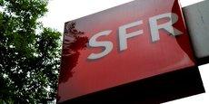 SFR, qui a perdu plus de 1,5 million d'abonnés mobiles depuis son rachat par le magnat du câble et des télécoms fin 2014, a regagné 34.000 clients sous forfait mais en incluant les abonnés pré-payés, le solde reste négatif.