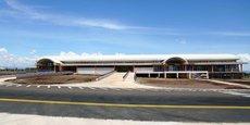 Situé à 285 km au nord de Nairobi, «Le petit aéroport» d'Isiolo avait connu il y a moins de deux ans des travaux d'extension afin de devenir le cinquième aéroport international du Kenya.