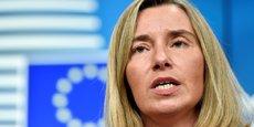 Pour Federica Mogherini, Haute Représentante de l'UE pour la politique étrangère et de sécurité commune, l'installation effective de l'Assemblée constituante devrait être suspendue.