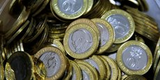 La dévaluation du naira nigérian et du rand sud-africain a poussé la Banque centrale kényane à adopter des mesures strictes pour la gestion de sa monnaie nationale, le shilling.