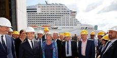 Le 31 mai 2017, Emmanuel Macron, accompagné du ministre de l'Economie, Bruno Le Maire (à l'extrême g.), en visite à Saint-Nazaire aux Chantiers de l'Atlantique STX France, à l'occasion de la livraison du Meraviglia, le plus grand paquebot jamais construit en Europe (315 mètres de long et 65 m de haut, 171.598 tonnes), au croisiériste Mediterranean Shipping Company (MSC).