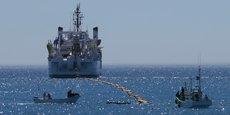 Les travaux d'installation du projet de câble sous-marin ont été confiés au groupe japonais Nec Corporation. Le coût global du projet est estimé à 160 millions de dollars, supporté par un consortium de banques japonaises et angolaises.